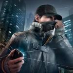 Герой игры Watch Dogs закрывает лицо, стоя посреди улицы с телефоном в руке
