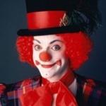 Аватар с клоуном в шляпе, красным носом и волосами