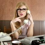 Девушка разговаривающая по телефону, аватар с красивой девушкой секретаршей