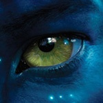 Картинка с зелёным глазом аватара Джейка из фильма Аватар.
