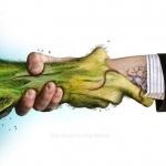 Рукопожатие между человеком и природой