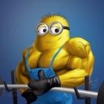 Миньон с большими мышцами рекомендует тягать штангу