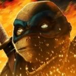 Леонардо с белыми глазами стоит в огне