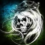 Череп с длинными седыми волосами и короной