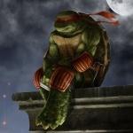 Грустный Рафаэль ночью сидит на крыше свесив ноги