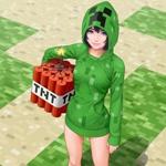 Девушка в костюме крипера со связкой подожжённого динамита