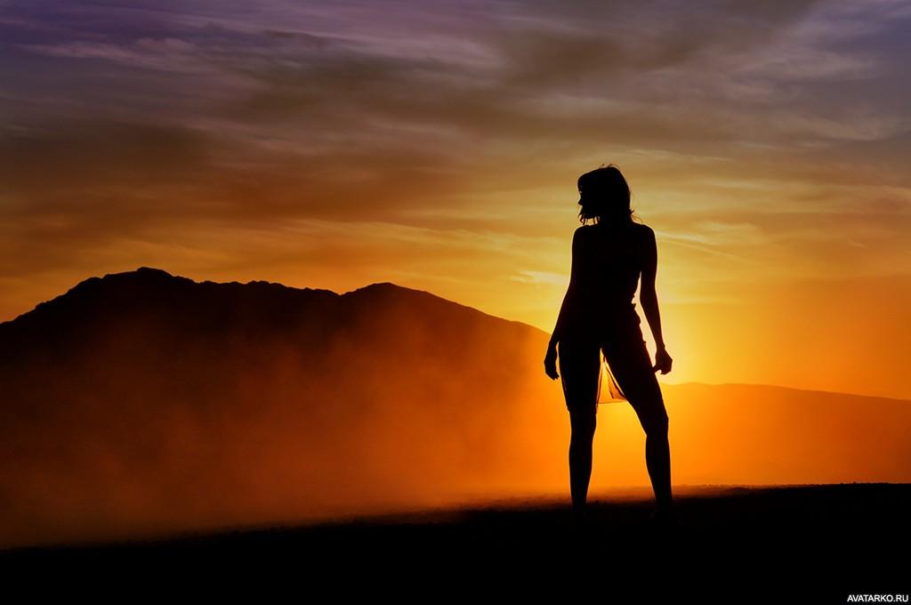 Картинка 1024x680   Силуэт девушки стоящей в полный рост   Девушка, Силуэты, Силуэт на авку, фото