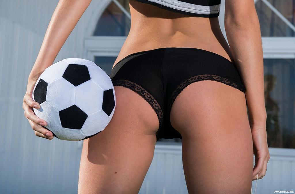 Порно Обнаженных Малолеток На Рожках Гимнастическом Мяче