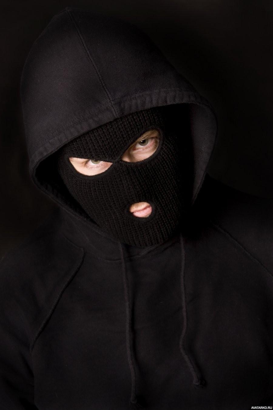 фото парень в маске