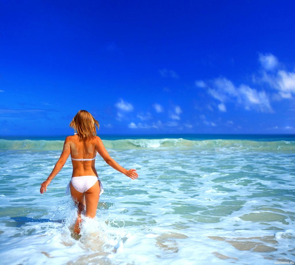 Фото картинок девушек на море