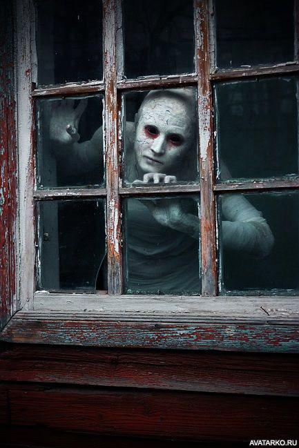 Картинки монстры за окном