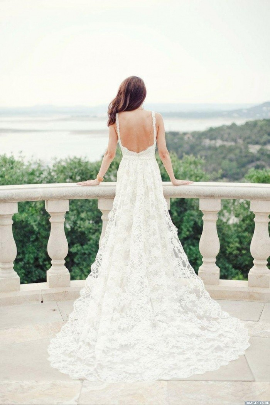 Картинка девушка спиной в свадебном платье