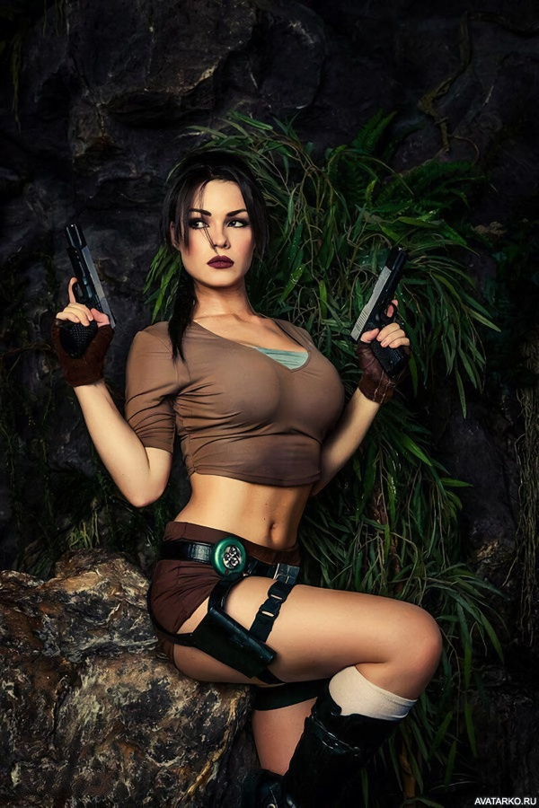 Bellas Cosplay On Lara Croft Spangbang 1